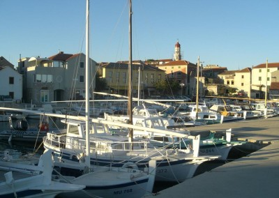 Betina,_island_of_Murter,_Croatia_-_harbour_14.10.2007._076 (Copy)